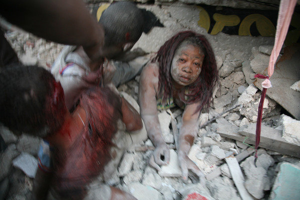 File name: haiti-earthquake-victims2010-rubble22