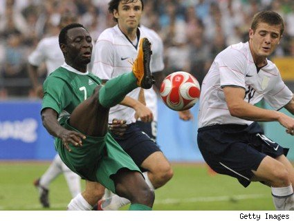 nigeria.soccer-player-raises-foot2010
