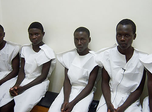 uganda-youth-waiting-for-circumcision.pix-scgdian07