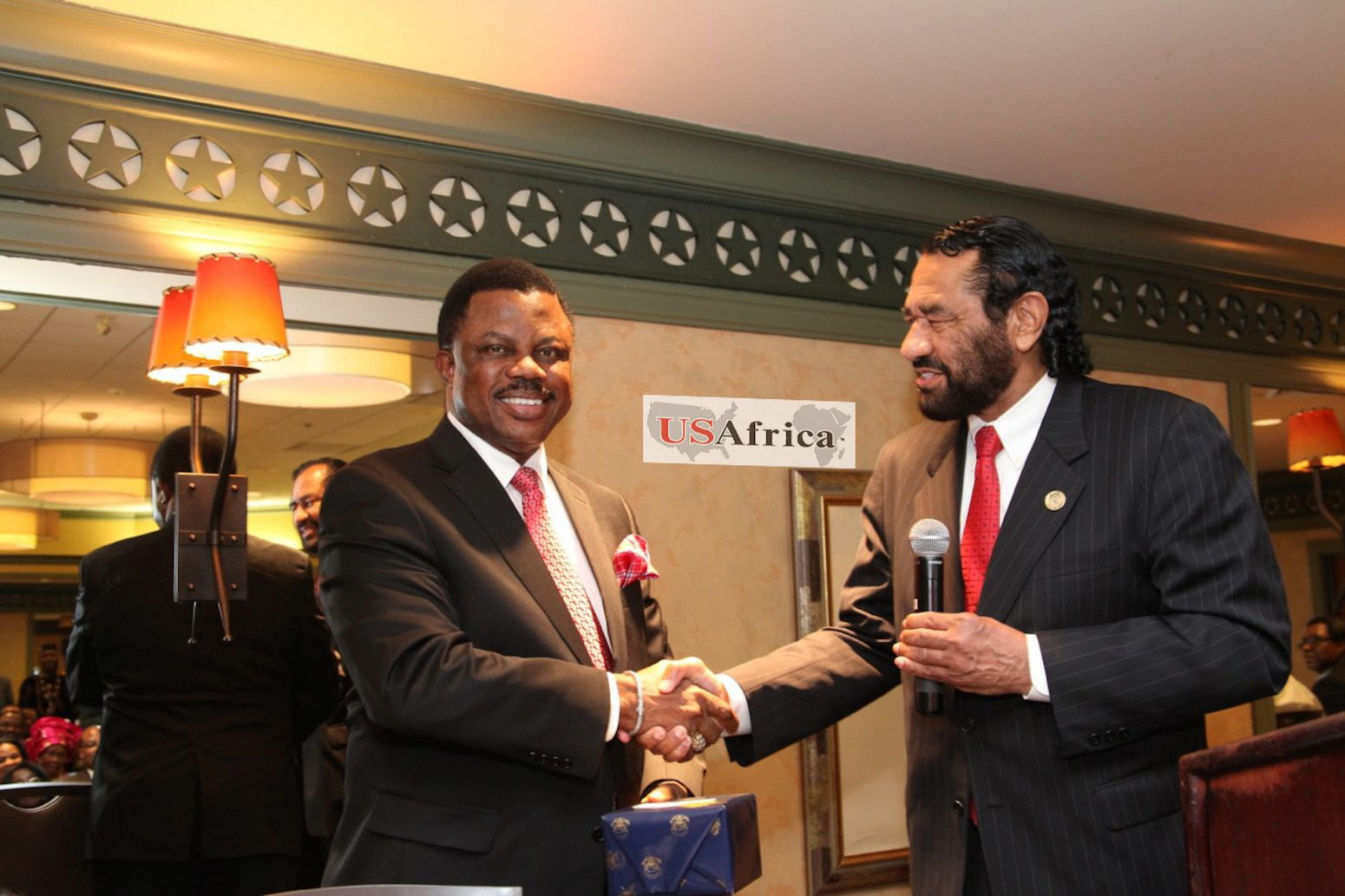 U.S Congressman Green congratulates Anambra Gov-elect Obiano at USAfrica interactive forum in Houston with Anambra diaspora