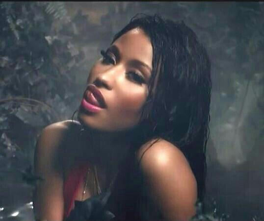 nicki-minaj-anaconda-video-pix-aug2014