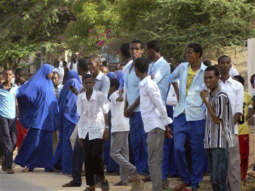BrkNEWS: 147 killed at #Kenya university campus by Islamic terror group al-Shabab